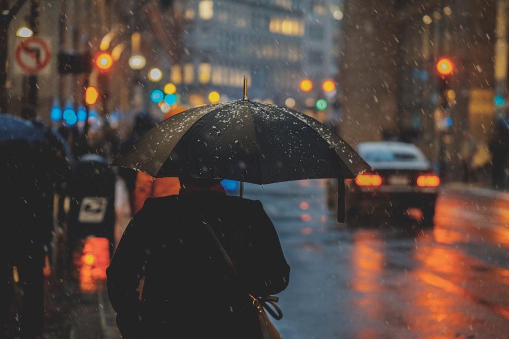 paraguas y lluvia este jueves