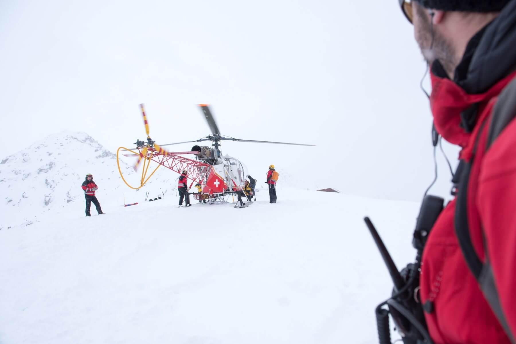 rescate police valais alpes suizos