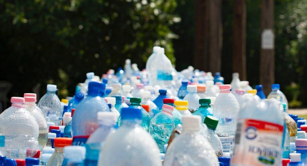 botellas de plastico contaminacion