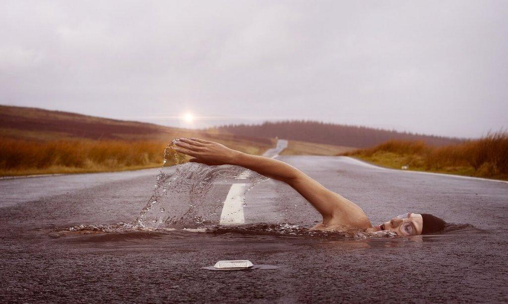 Sudoración Presente Cuando Nadamos En El Agua