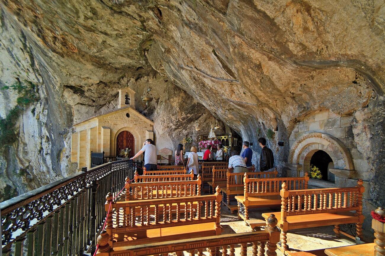 cueva virgen de covadonga