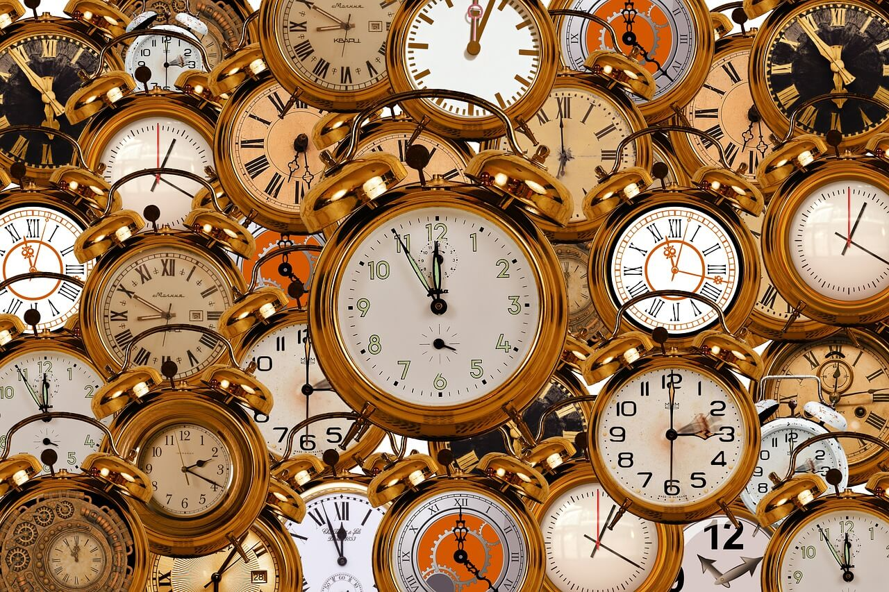 quién inventó el cambio de hora