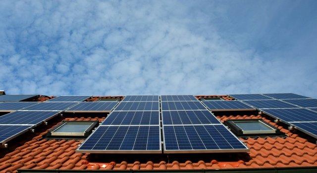 cuantas Placas solares necesito en una vivienda