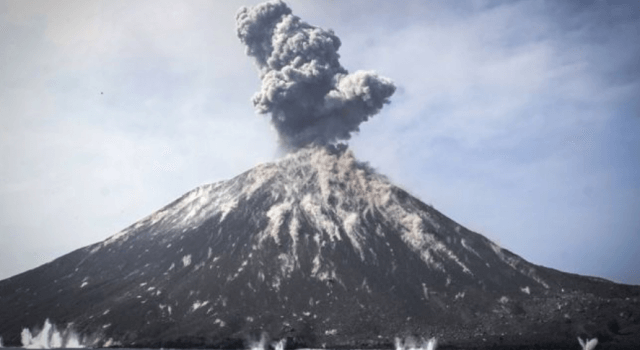 volcan-krakatoa-tsunami-2018