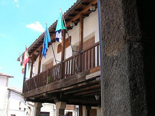 los 11 pueblos mas bonitos de españa incluyen san martin de travejo en cáceres en su lista