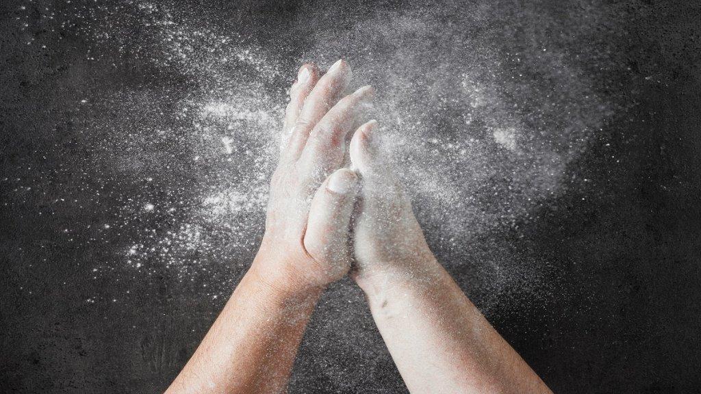 polvos de talco para quitarse la arena de la playa