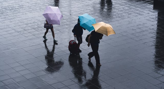 lluvia paraguas españa