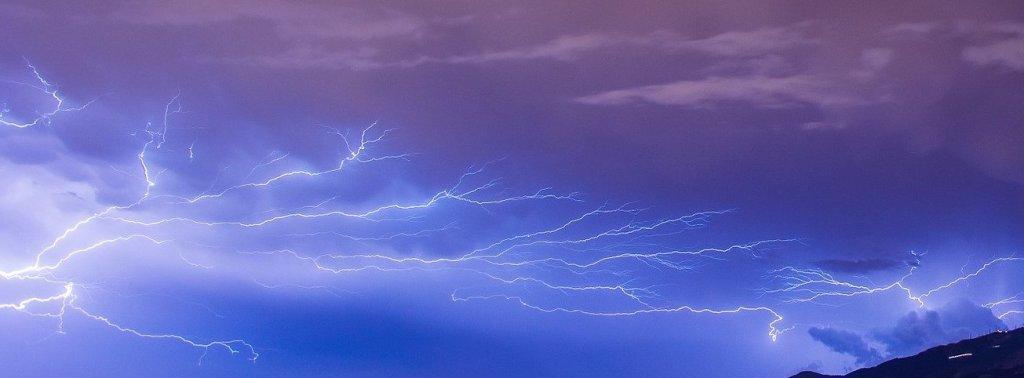 Agosto rayos tormentas