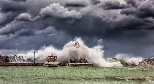 tsunami-cadiz-espana-2