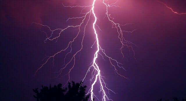 tormenta eléctrica sin lluvia