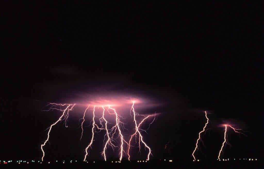 caida-luz-electricidad-tormenta