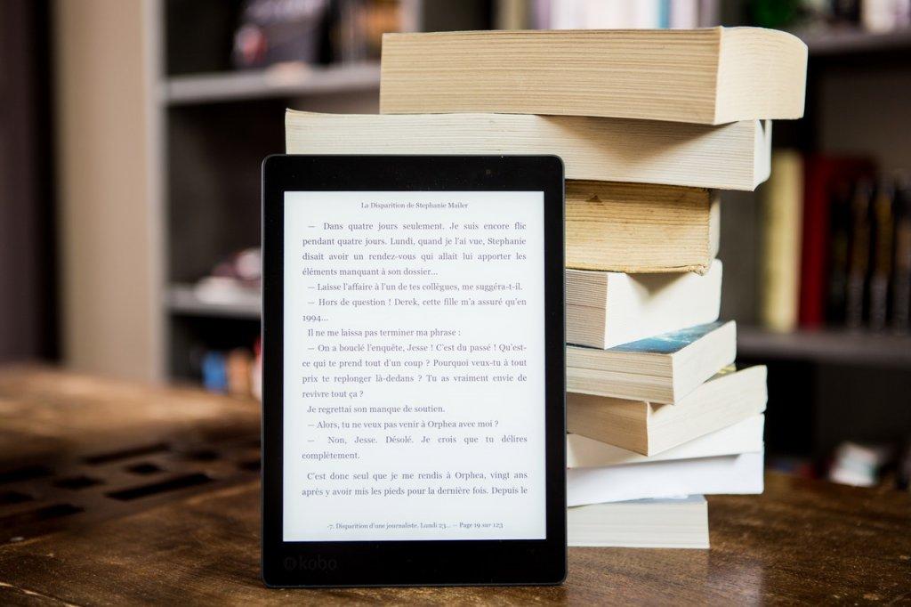libro de papel e eBook