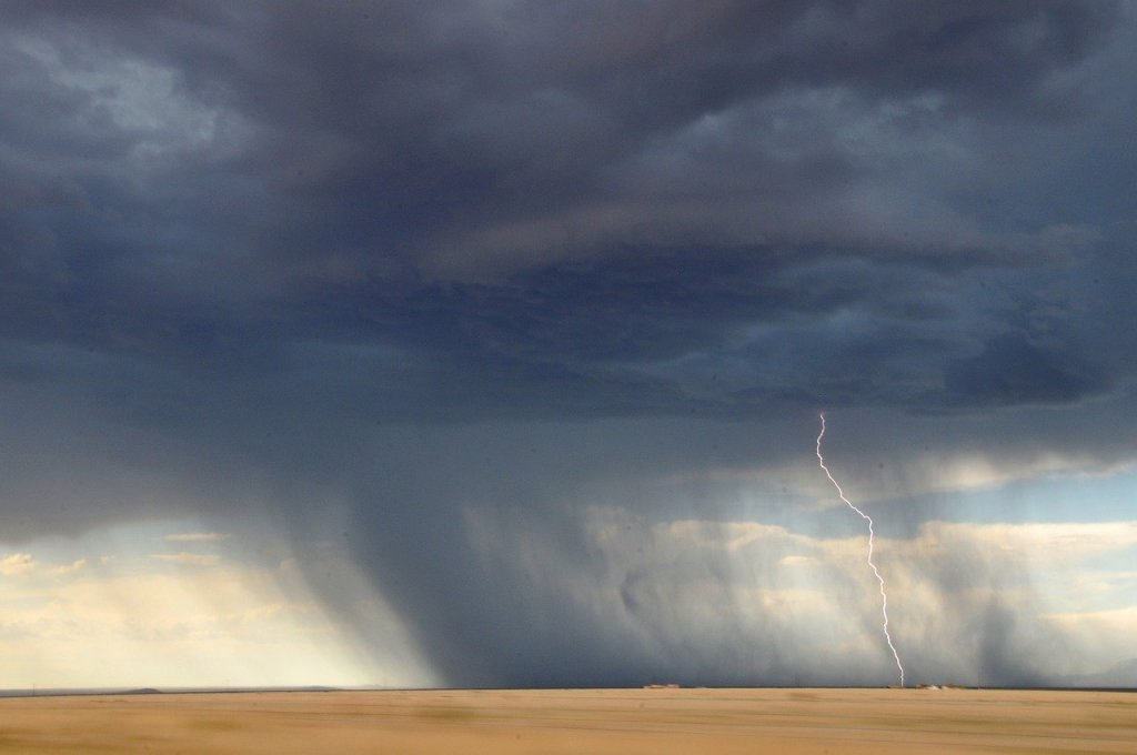 nubes-negras-tormentas-mayo