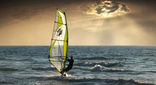 windsurf playas españa