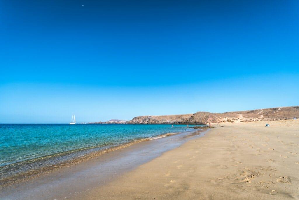 playa-paradisiaca-playa-papagayo-lanzarote