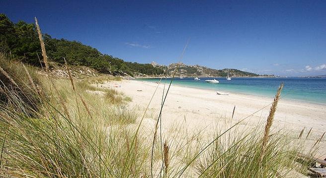La-paradisiaca-playa-de-San-Martino-en-las-Islas-Cies