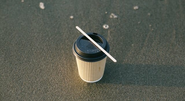 Muchos residuos plásticos acaban en el mar