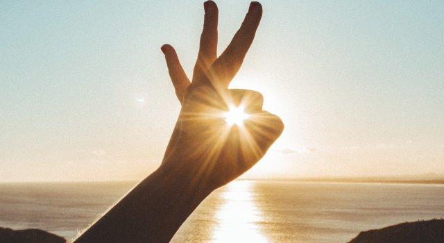 cuanta energia produce el sol