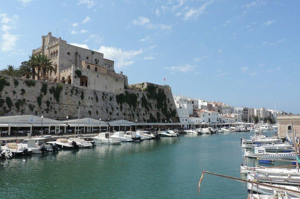 puertos con ascenso de medio metro del nivel del mar