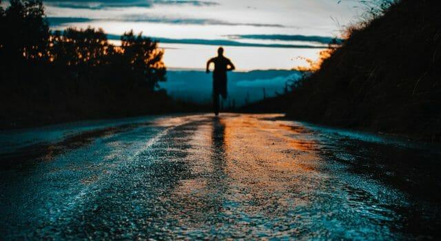 correr o andar mojarte