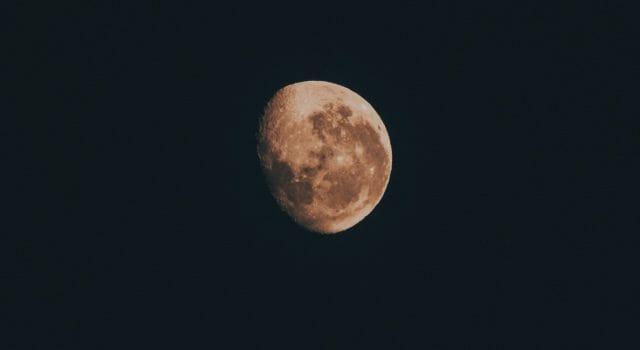 eclipse parcial de luna noviembre 2021 españa