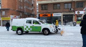 Hay hielo en la carretera: ¿qué debo hacer?