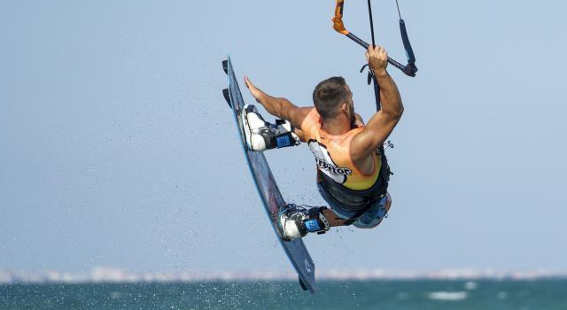 ¿Quieres practicar kitesurf?  Las playas perfectas para deslizarse sobre el mar