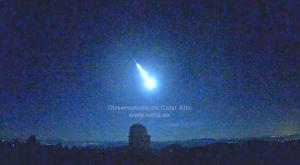 Una gran bola de fuego ilumina el cielo del sureste de España