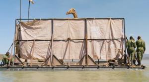 El rescate de jirafas atrapadas por el aumento del nivel del agua