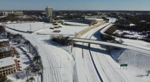 Sin luz, calles congeladas y sin comida: Texas no había visto nunca algo así