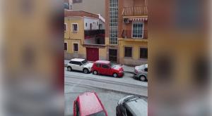 El centro de Madrid cubierto de blanco por un momento: ¡es granizo!