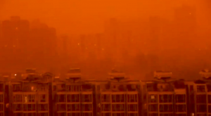 ¡Pekín se vuelve naranja! Brutal tormenta de arena en China