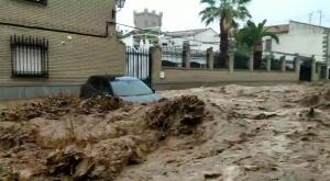 """""""El agua lo inunda todo"""": lluvias torrenciales sin precedentes"""
