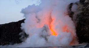 La lava del volcán de La Palma llega al mar. ¿Y ahora qué?