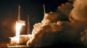 La NASA lanza 'sonda Lucy' para estudiar los asteroides de Júpiter