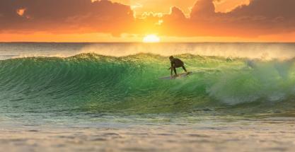 Viaje a las mejores playas para hacer surf de España