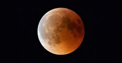 Graban por primera vez el impacto de un meteorito en la superluna de sangre