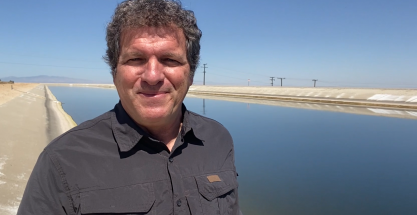 Paneles solares para la lucha contra la evaporación de agua en California